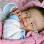 Bebeğinizin Uyku Pozisyonuna Dikkat Edin!