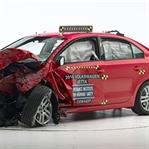 2015 VW Jetta Small Overlap Testinden Geçti