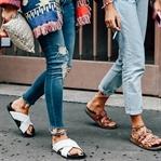 İşte Yeni Kot Pantolon Trendi Bu Kızlar !
