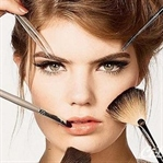 Makyaj Çantasında Olması Gereken 5 Ürün