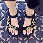 Sandaletleri Yeniyelin