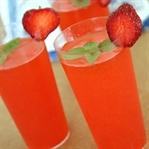 Yaz İçeceklerine Alternatif: Çilekli Limonata