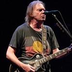 Neil Young konseri öğrenciye 11 TL!