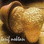 toprak saksıda tam buğday ekmeği