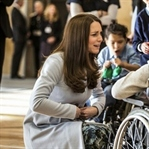 Kate Middleton: Seraphine Manto ve Elbise