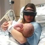 Kör Anne Teknoloji Sayesinde Çocuğunu Görebildi