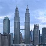 Petronas İkiz Kuleleri . Dünyanın En Uzun Kuleleri