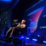 Hawking'ten yapay zekaya dair önemli açıklamalar
