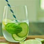 Hızla ödem attıran basit detoks içeceği