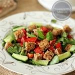 Kıtır Ekmekli Semizotu Salatası