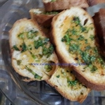 Maydanozlu Sarımsaklı Ekmekler