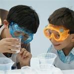BASF Kids' Lab'de Çocuklar Kirli Suyu Arıtıyorlar