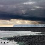 Eriyip gitmekte olan buzullara içten bir bakış