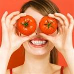 Gergin ve güzel ciltler için domates maskesi