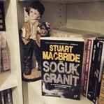 Kitap Yorumu: Soğuk Granit - Stuart Macbride