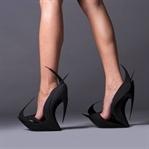 Bayanlar Kendi Ayakkabısını Kendisi Bassın