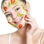 Güzellik İçin Çilekli Cilt Maskeleri