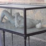 Küllere Gömülen Şehir; Pompei