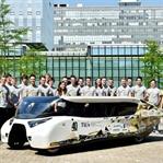 Güneş Enerjisiyle Çalışan 4 Kişilik Aile Arabası