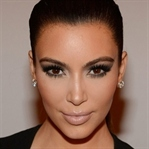 Kim Kardashian makyajı yapmanın püf noktaları