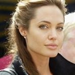 Angelina Jolie, yeni filmini oğlu ile çekiyor