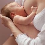 Anne Sütü Bebeğin Özgüvenini Artırıyor