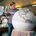 El yapımı dünya kürelerinin zorlu üretim süreci
