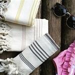 Plaj Giyim Modelleriyle Şıklığınızı Sahile Taşıyın