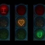 Aşk trafik lambası tanımaz!