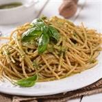Pesto Sosu Tarifi, Fesleğen ve Reyhanın Kullanımı