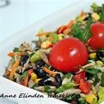 Tavuklu Siyah Fasulye Salatası