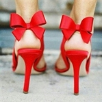 Topuklu Ayakkabı Üzerinde Nasıl Durulur?