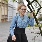 Outfit: Augestellter Rock, Jeanshemd & Kette