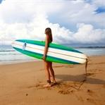 Was ist an Surfcamps für Mädels so besonders?