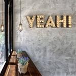 Atina'da Goody's Burger House Aydınlatma