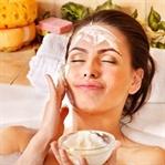 C Vitamininin Canlandırıcı Etkisini Yüzünüzde Keşf