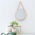 DIY Quickie: Raindrop Spiegel aus Holzkugeln