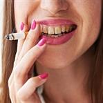 Sigara İçenler Dişlerini Böyle Fırçalasın