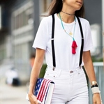 Bir Beyaz T-shirt Her Ortama Giyilebilir Mi?