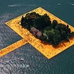Iseo Gölü'nde Yüzer İskeleler
