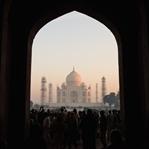 Sonnenaufgang beim Taj Mahal