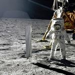 Ay'a İnsanlı Yolculuklar ve Apollo Projesi
