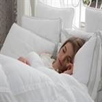 Aydınlık Yatak Odası Kilo Aldırıyor