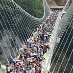 Dünyanın En Büyük ve Uzun Camdan Köprüsü