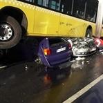 Kontrolden Çıkan Metrobüs Kaza Yaptı