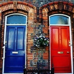 Manchester Şehri, Kırmızı mı Yoksa Mavi mi Olacak?