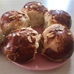 Pastane Usulü Üzümlü Paskalya Çöreği Tarifi