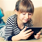 Tabletlerin,Cep Telefonlarının Çocuklara Zararları