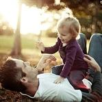 Babanın sevgi göstermesi çocukta güven oluşturuyor