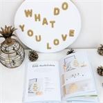 """Gold-Buchstaben Schild aus """"Naturliebe"""" DIY Buch"""